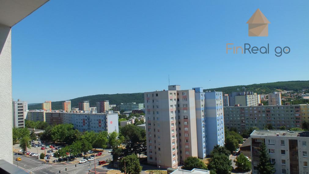 PREDAJ 2-izb. priestranný byt s nádherným výhľadom BA - Dúbravka
